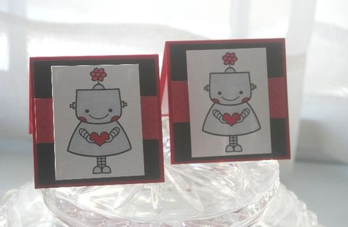 Mini robot girl heart pair
