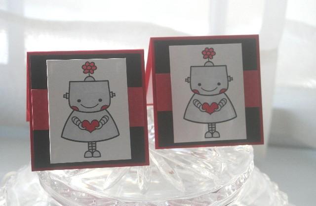 Mini robot girl heart pair