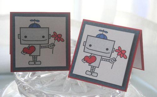 Mini robot boy heart pair