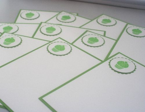 Note card cupcake green set close