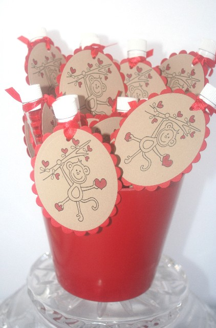 Valentine monkey bucket