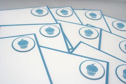 Note card cupcake blue set close