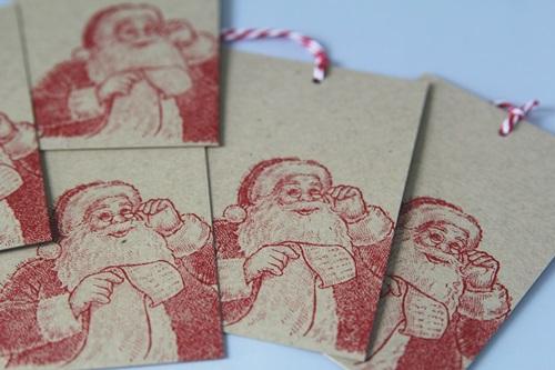 Santa tags kraft close 1