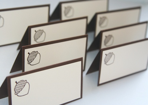 Place cards acorn set close